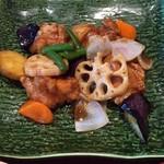 大戸屋 ごはん処 - 鶏と野菜の黒酢あん