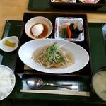 めし屋 里 - 日替わり定食(中華風揚げ出し豆腐)