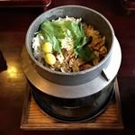 猫ちぐら  - 松茸ごはんは炊き立てを提供