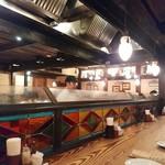 カフェ ラ・ボエム - オープンキッチン!