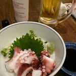 えいちゃん - 生ビールと茹でタコ