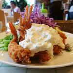 洋食Mogu - エビフライ側の標高
