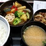 吉野家 - 秋のベジ牛定食:590円