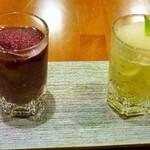 瓦町ダイニング タートルズ - ワインのソルベとジュレ 赤と白