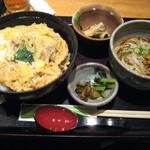 750604 - ランチの親子丼定食♪