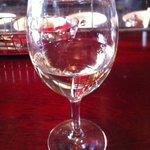 カフェ ラ・ボエム - グラスワイン(白) 390円
