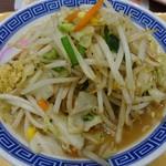 トナリ  - 料理写真:タンメン730円