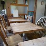 手作りパンカフェ・ピクニック - テーブル席