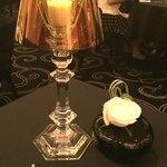 ガストロノミー ジョエル・ロブション - ガラスのオブジェと素敵なテーブルスタンドにうっとり(*´∇`*)