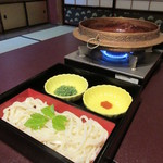 料亭 金鍋 - 鍋の〆は麺で