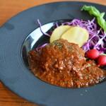 イタリア料理ペペロネ - 料理写真:豚頬肉のトマト煮