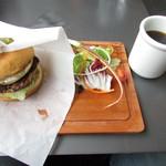 Haleiwa.cafe - ハレイワバーガープレート+ブレンドコーヒー(ホット)