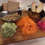 75014327 - おまかせ前菜(サバポリヤル、砂肝アチャール、バジルポテサラ、人参サラダ)