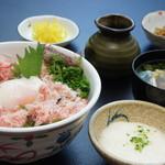 鳥取砂丘にいちばん近いドライブインレストラン砂丘会館 - 砂丘長芋を使用! 売り上げNo1商品です。