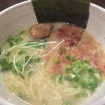いち - 塩ベースの博多一番鶏 白湯ラーメン。 デフォルトの780円。
