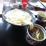 上野製麺所 - 釜揚げ1.5玉@330円(税込み)
