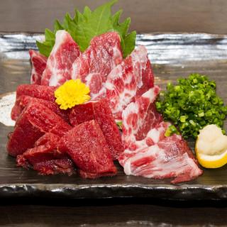 熊本直送ヒレ肉と外バラ肉の馬刺2種盛り