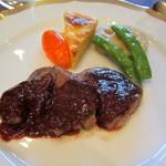 プティレストラン グーテ - 牛ステーキ