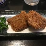 寿司割烹 魚徳 - 鯨の竜田揚げ