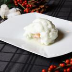 花蝶 - [焼物~楚蟹の雪玉焼~] 蟹に柚子の香りのメレンゲをかまくらのようにまとわせて。