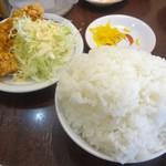 中華そば 高安 - 唐揚げ1個とご飯が付いたセット