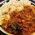 75043242 - A.ひよこ豆と茄子のカレー ¥820                       サラダ・ドリンク付, 低農薬玄米or白米,