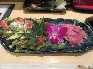 香住 北よし 天満店 - 「但馬牛の薄切りレアステーキ」(¥1,580)