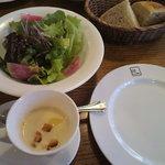 ビストロ シロ - ランチのサラダとスープ