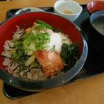 花 - 料理写真:かにとろ丼 みそ汁付き [¥900]