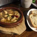 スペイン食堂 黒崎バル8 - マッシュルームのアヒージョ