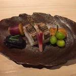 75053392 - [前菜]                       金時、茄子のへた、梭子魚、焼き雲丹、銀杏