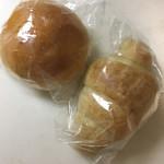 コトリ山ベーカリー - 料理写真:塩バターロールとブリオッシュ