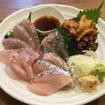 奏 - 料理写真:青森八戸直送鮮魚のお刺身 珍しい白身魚食べられます