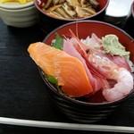 勘太そば - 海鮮丼