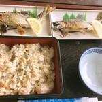 那須観光やな - 鮎の塩焼きと鮎飯