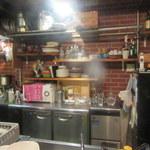 シャティバ - 少しゆとりができた厨房