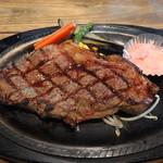 伝説のステーキ屋 - 料理写真:サーロインステーキ300g2,260円