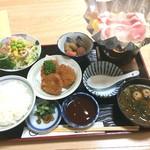 ちゃんこ大政  - 料理写真:此れだけ付いて1000円(税込)です。 そして何より、ちゃんこが旨い!