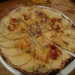 75069834 - ゴルゴンゾーラとリンゴのピザ