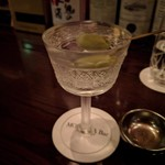 モモタ バー - モーリグラスで極上のマティーニ