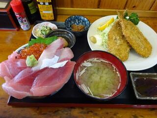 浜めし - 三色丼&イワシフライ