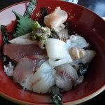 7508230 - 地魚丼