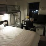 75081592 - 部屋はリフトベッドのあるツインに一人で泊まりました。