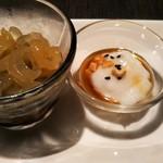 中国料理 桃翠 - コリコリくらげと伊是名産モズクの酢の物。 伊江島産島落花生のジーマミ豆腐。