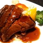 中国料理 桃翠 - 牛肉の中華風ステーキ。