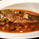 中国料理 桃翠 - 3島(伊江島,伊平屋,伊是名)近海魚のピリ辛煮。