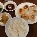曽さんの店 - 餃子セット 610円