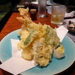 Ikesuhakataya - 天ぷら盛り合わせはこれで1000円