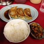 ラーメンショップ - セットのご飯、餃子、キムチ