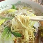 永来軒 - 麺も好きなタイプ!